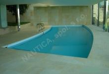 Skimmerový interiérový bazén 13,5x4,5 m