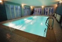 Skimmerový interiérový bazén 8x4 m