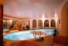 Skimmerový interiérový bazén 10x5 m