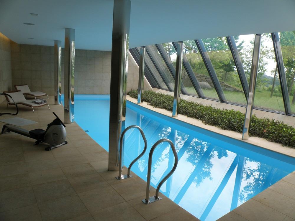 Skimmerový interiérový bazén 12,5x3,5 m