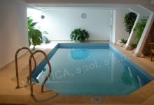 Skimmerový interiérový bazén
