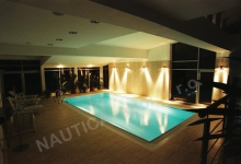 Interiérový bazén s přelivem 8x4 m