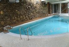 Interiérový bazén s přelivem 9x4,5 m