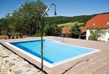 Venkovní bazén s přelivem 8x4-5 m
