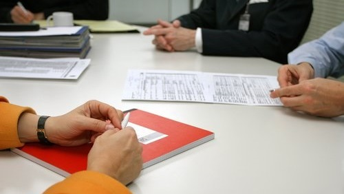 práce kancelář schůze schůzka meeting jednání porada